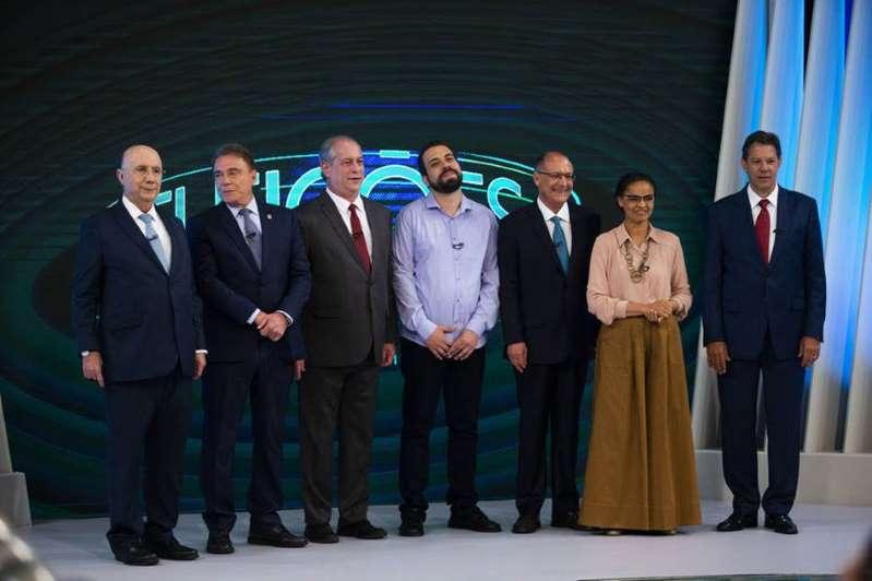 Na TV Globo, Bolsonaro e Haddad são alvos em último debate presidencial