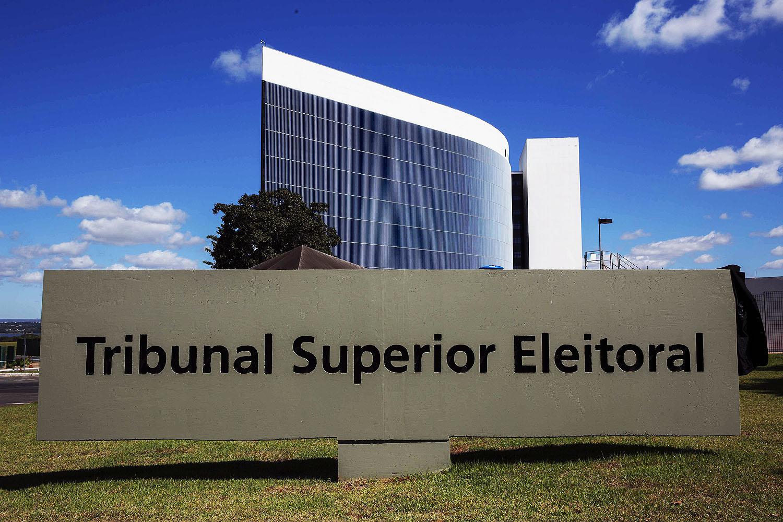 Campanha de Bolsonaro pede ao TSE retirada de vídeo com ataque ao STF