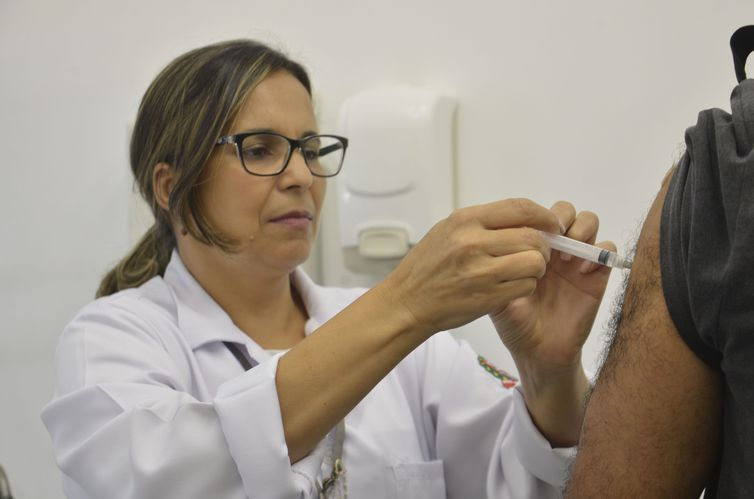 Saúde estuda incluir duas novas doses no calendário de vacinação
