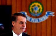Bolsonaro diz ser contra revalidação de diplomas para médicos brasileiros