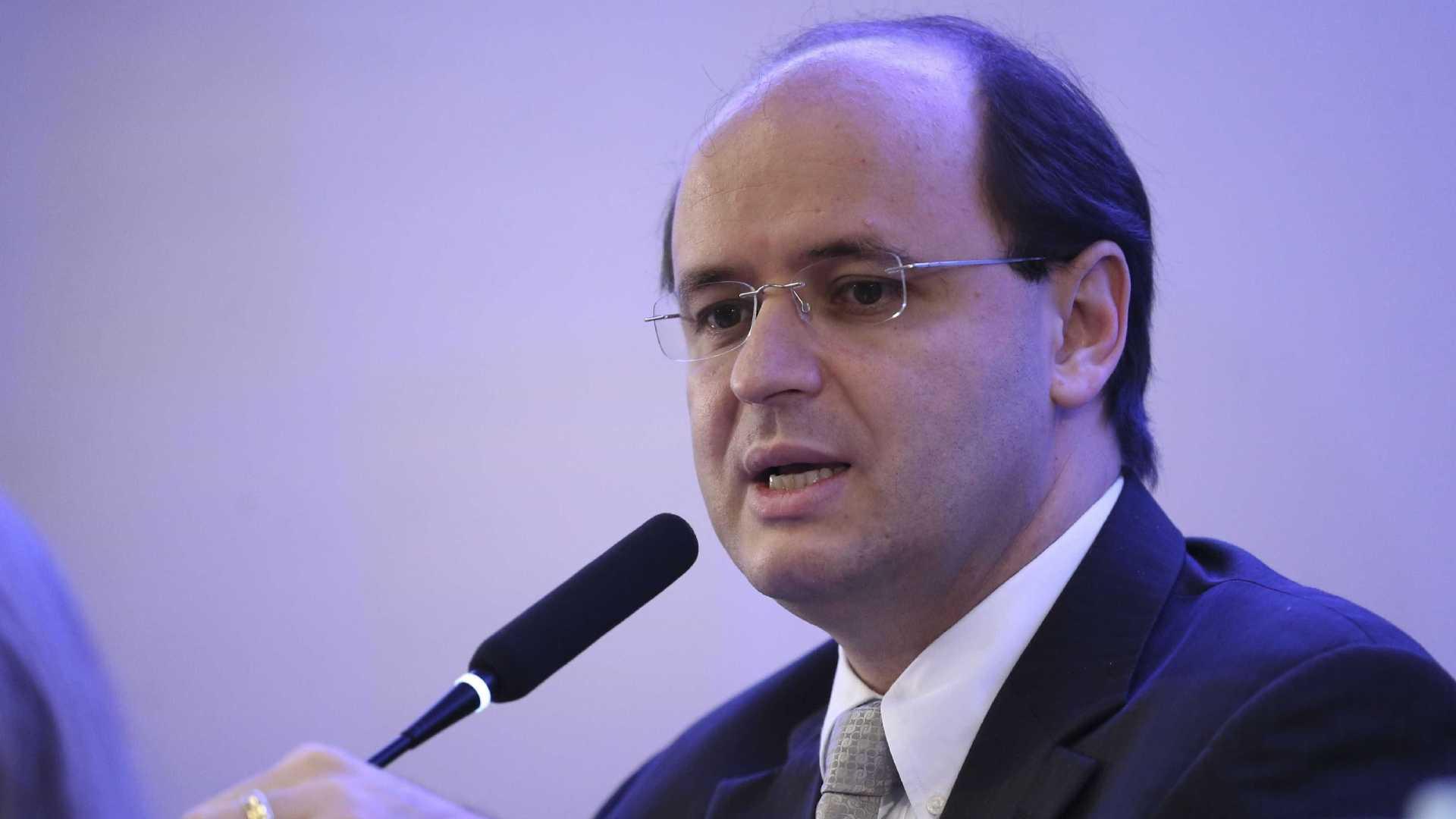 Ministro da Educação evita comentar críticas de Bolsonaro ao Enem
