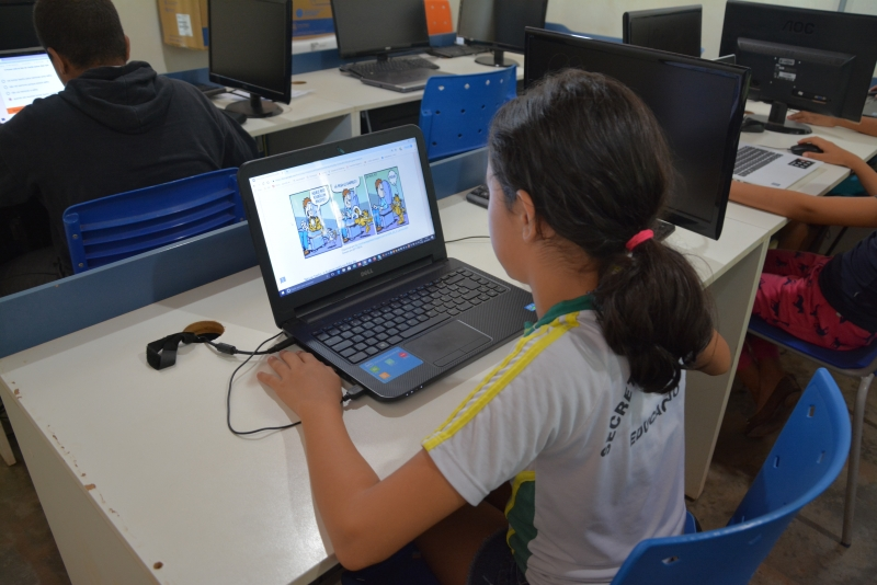 Alunos de Cuiabá realizam provas de proficiência pela internet
