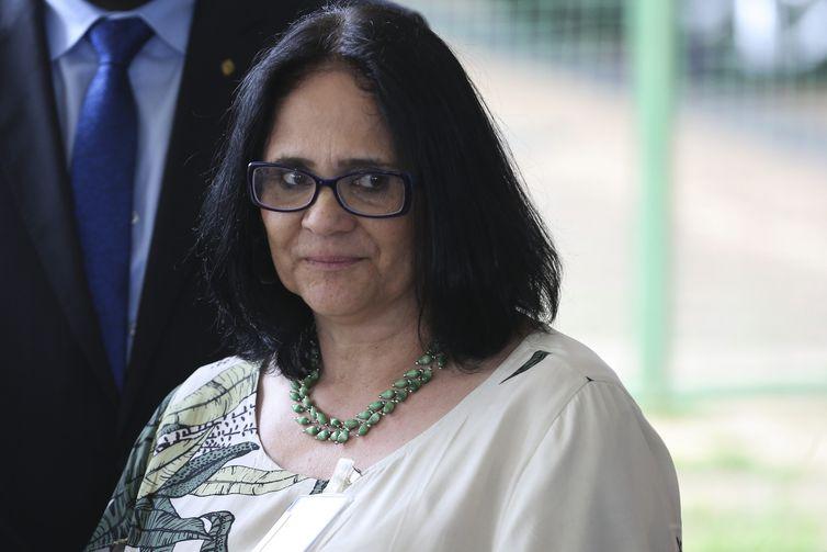 ONG de ministra é acusada de incitar ódio a indígenas e tirar criança de mãe