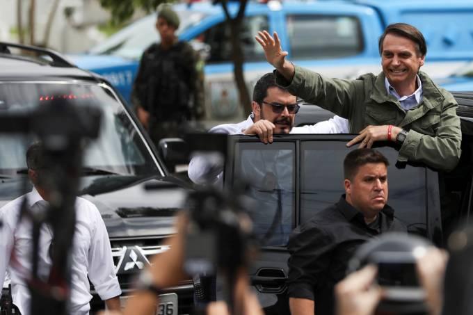 Por segurança, guarda-chuvas e carrinhos de bebê serão proibidos em posse de Bolsonaro