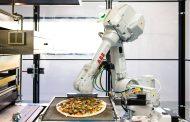 Robô faz pizza, hambúrguer e café nos EUA