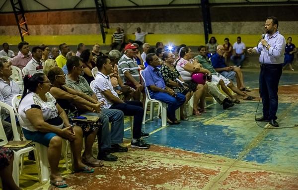 Famílias recebem títulos definitivos das casas no Tijucal em Cuiabá