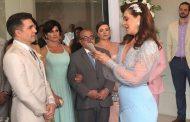 """Na hora do """"sim"""", Claudia Raia tem atitude surpreendente e causa reações durante casamento"""