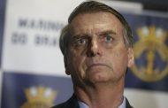 """""""Ninguém recebe ou dá dinheiro sujo com cheque nominal"""", diz Bolsonaro"""