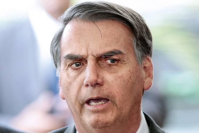 Cheque de ex-assessor a Michelle foi pagamento de dívida, diz Bolsonaro