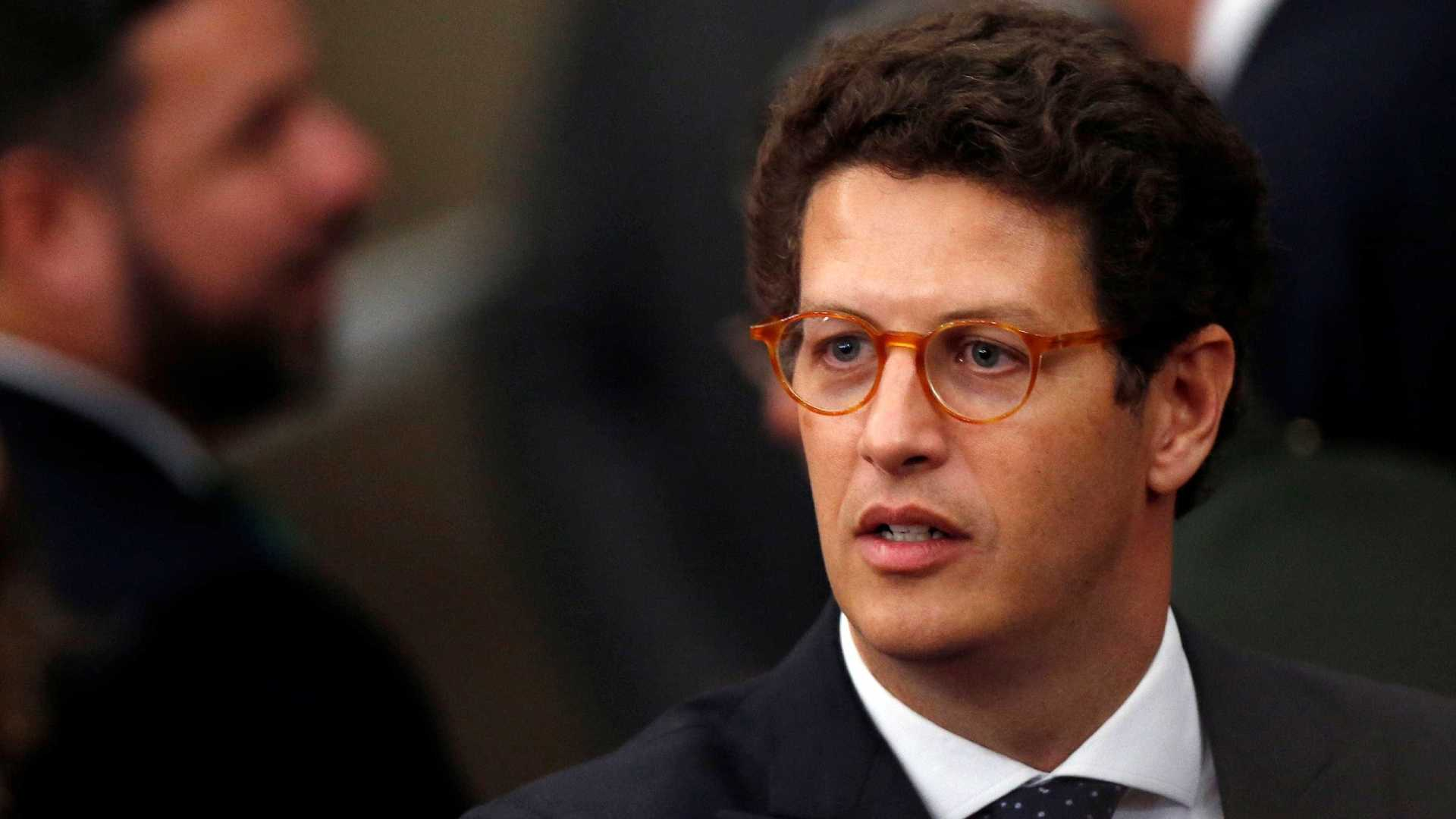 Bolsonaro descarta tirar ministro condenado de governo
