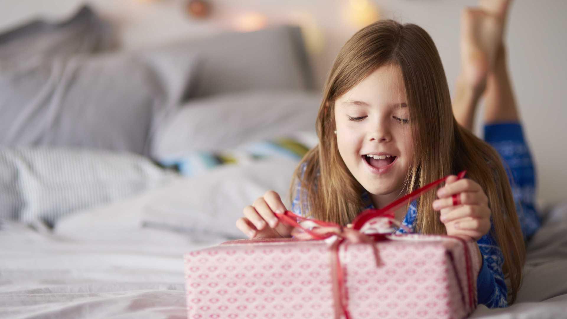 Sociedade Brasileira de pediatria alerta pais sobre presentes de Natal