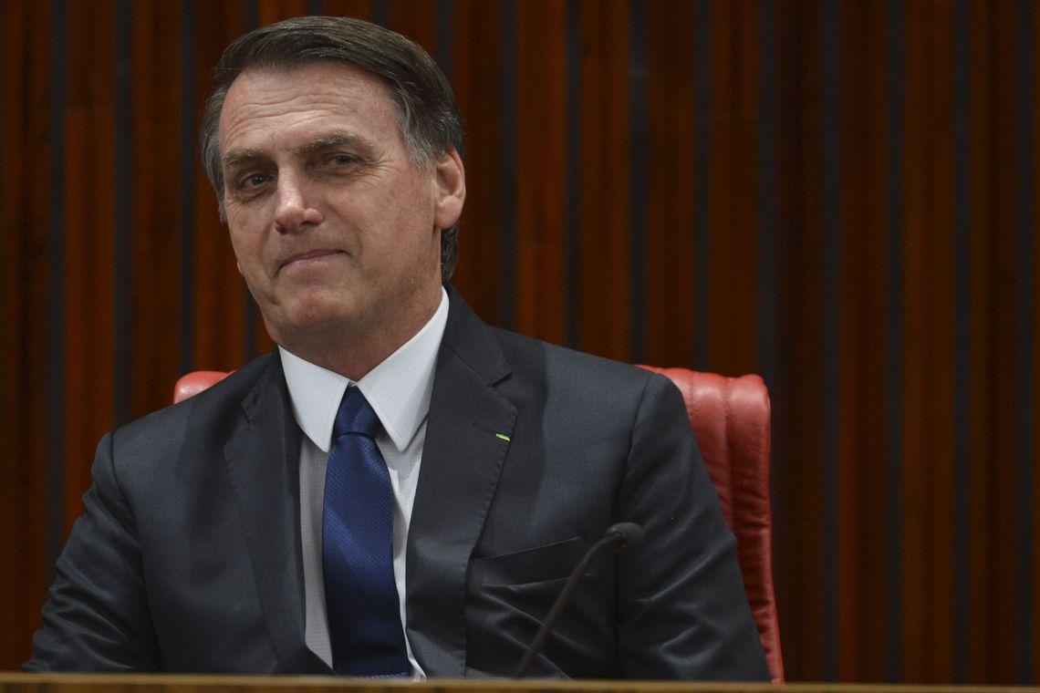 Bolsonaro se reúne com governador eleito de SC, PSD, bombeiros e PMs