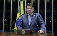 Cidinho Santos faz discurso emocionado ao se despedir do Senado