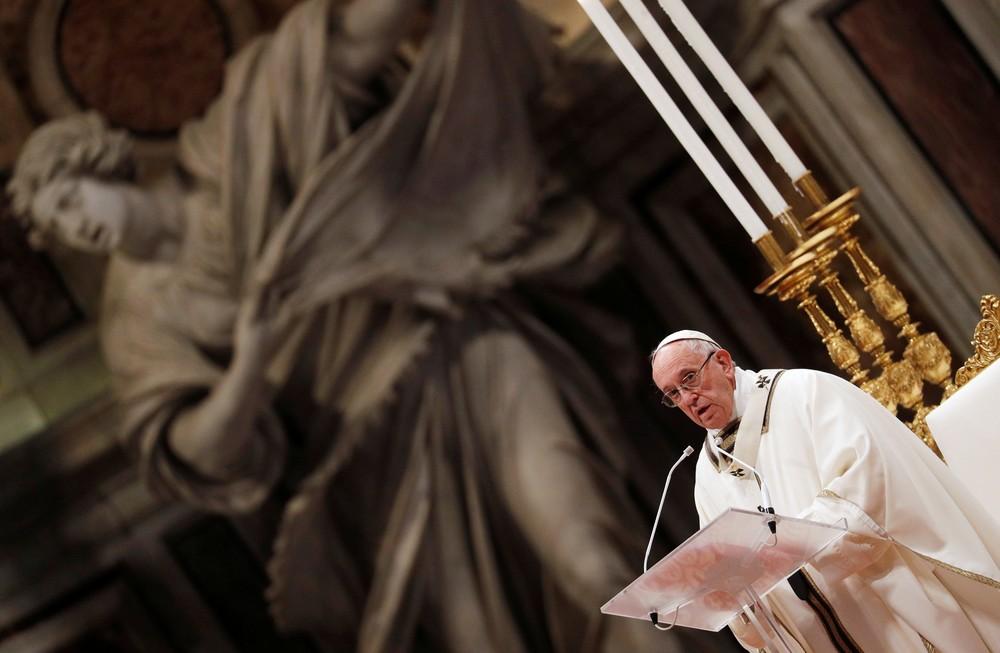 Papa diz que é preciso imitar a generosidade e humildade dos Reis Magos