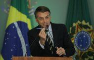 Bolsonaro assina decreto que facilita posse de armas no país.