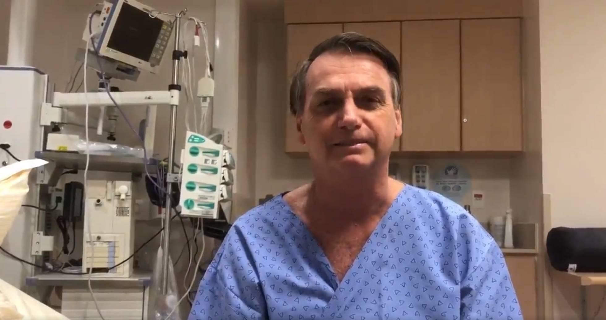 Após cirurgia, Bolsonaro diz estar bem e que facada foi tentativa de assassinato