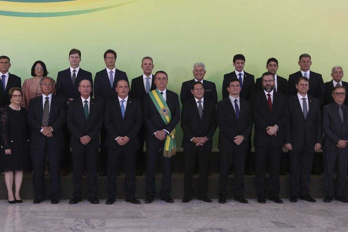 Bolsonaro se reúne com Conselho de Ministros
