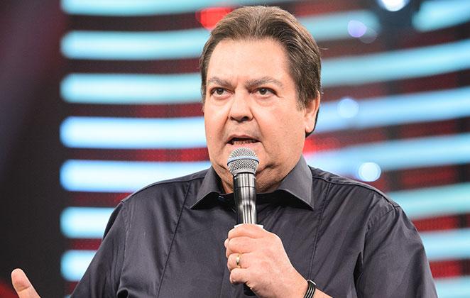 Faustão nega referência a Bolsonaro ao falar em 'imbecil eleito' em seu programa