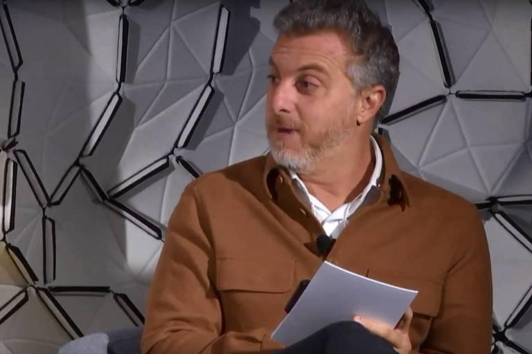Falta à esquerda capacidade de dialogar, diz Luciano Huck, em Davos