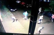 Criminosos arrombam portão de presídio com uma caminhonete e 17 presos fogem em Passo Fundo no RS; veja vídeo