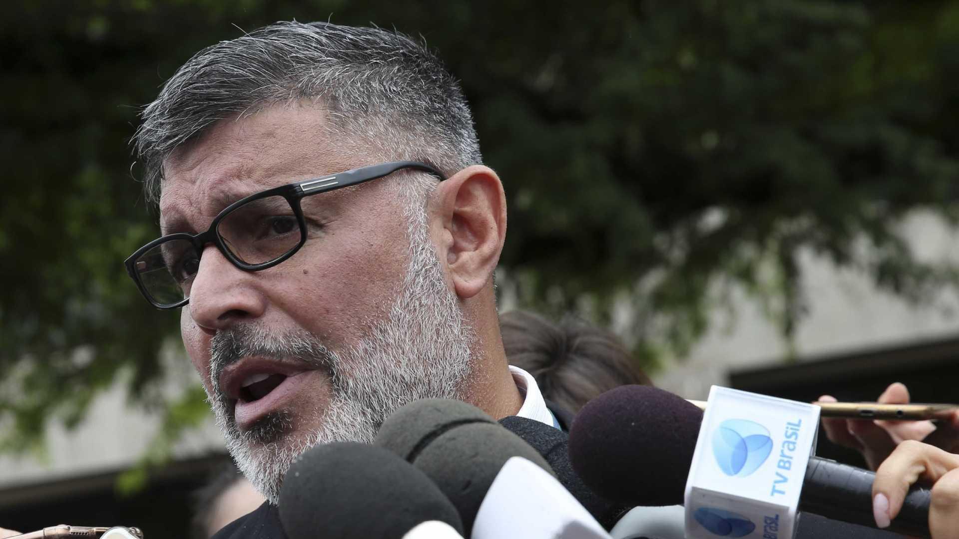 PSL decide expulsar deputado Alexandre Frota após críticas a Bolsonaro