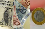 Bolsa fecha em baixa de 0,9% e dólar chega a R$ 3,80