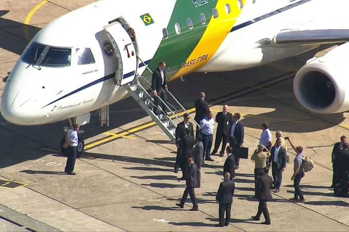 Bolsonaro chega a hospital de SP para retirar bolsa de colostomia