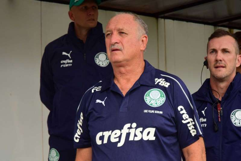 Felipão passa mal e deixa coletiva do Palmeiras às pressas