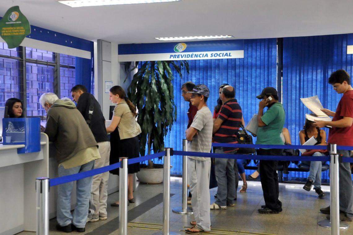 Governo vai fazer pente fino em 2 milhões de benefícios do INSS