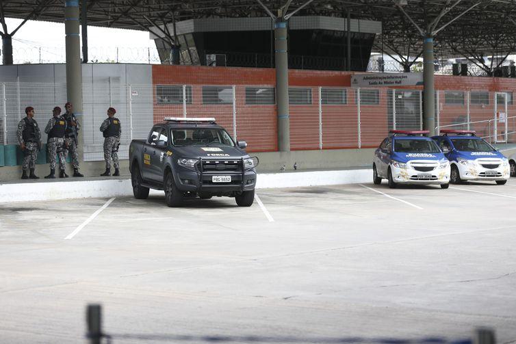 Onda de violência afeta rotina de moradores em Fortaleza