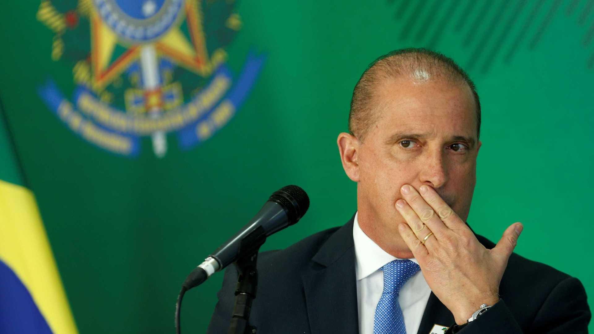 Onyx diz que governo estuda abrir mercado de armas no Brasil