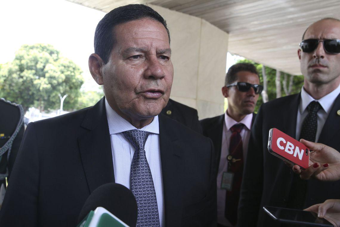 Mourão assume Presidência durante recuperação de Bolsonaro