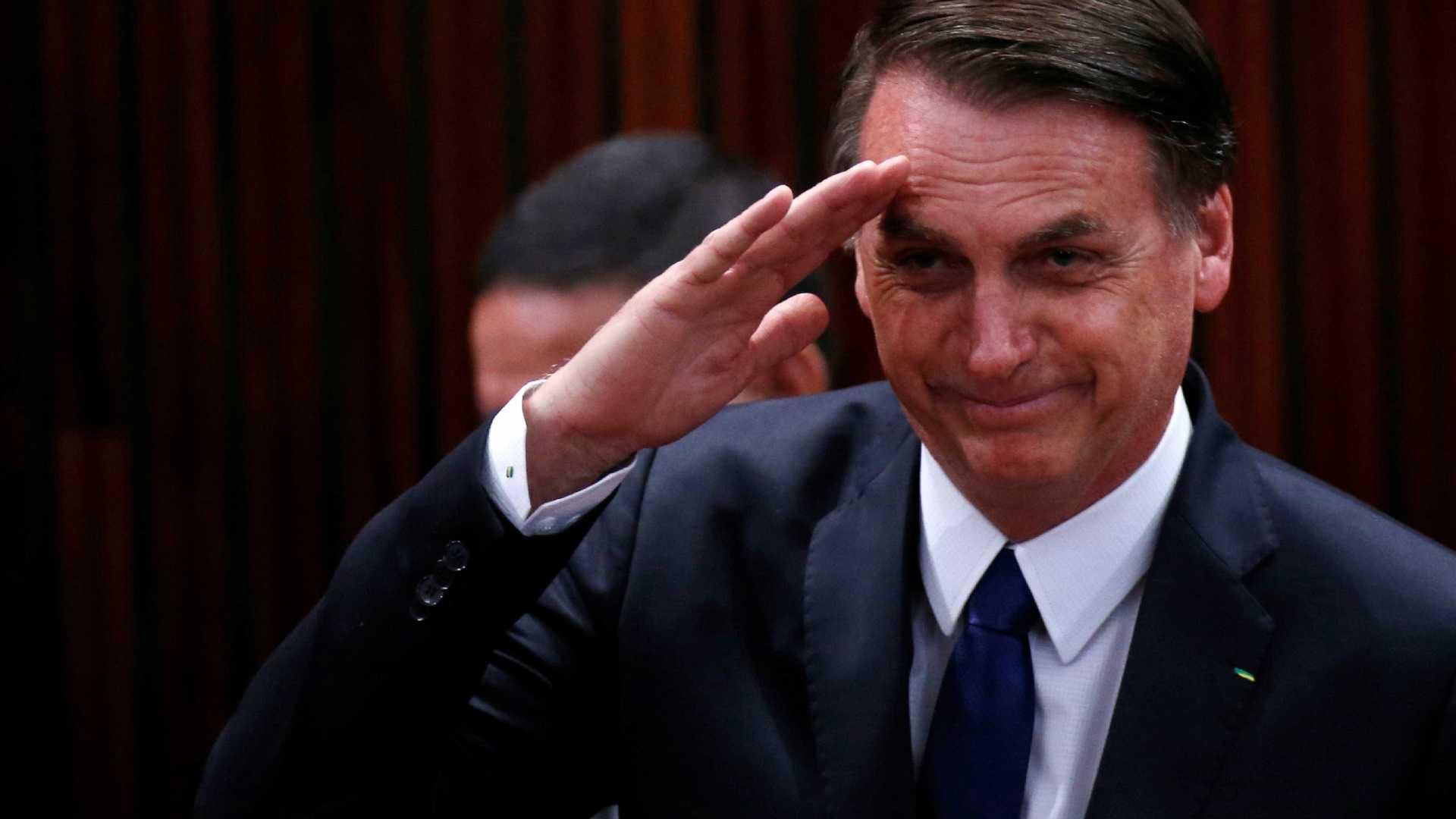 Bolsonaro decide que militares vão entrar na reforma da Previdência