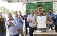 Emanuel emite ordem de serviço para revitalização da Orla do Porto II