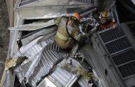 Bombeiros fazem resgate, mas maquinista morre após mais de 7 horas preso às ferragens