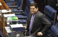 Alcolumbre convoca reunião de líderes partidários no Senado