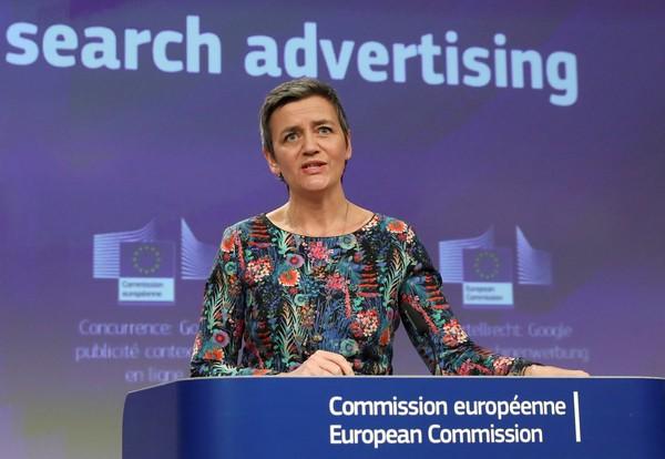 União Europeia multa Google em 1,49 bilhão de euros por impedir anúncios de concorrentes