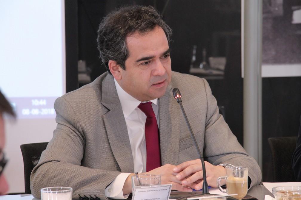 Presidente do Senado do Chile recusa convite para almoço com Bolsonaro