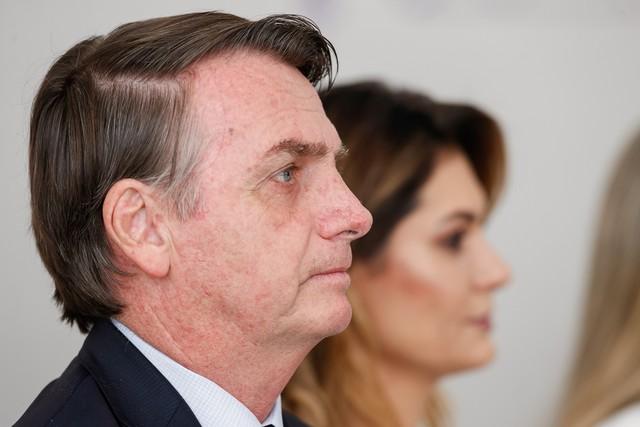 No Dia da Mulher, Bolsonaro diz que ministério é 'equilibrado' e cada ministra vale 'por dez homens'