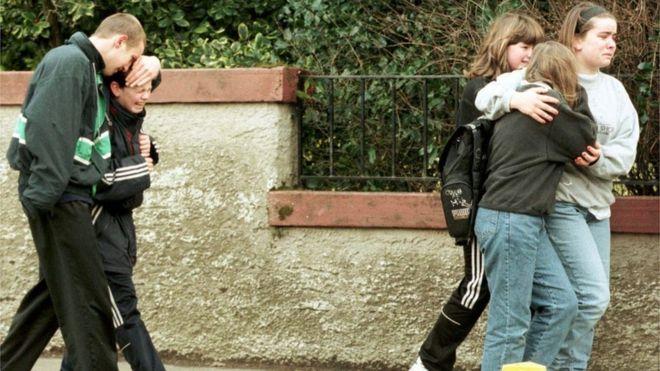 Massacre em escola escocesa levou Grã-Bretanha a proibir armas em 1997