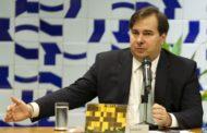 Bolsonaro 'precisa ter mais tempo para cuidar da Previdência' e menos para rede social, diz Maia