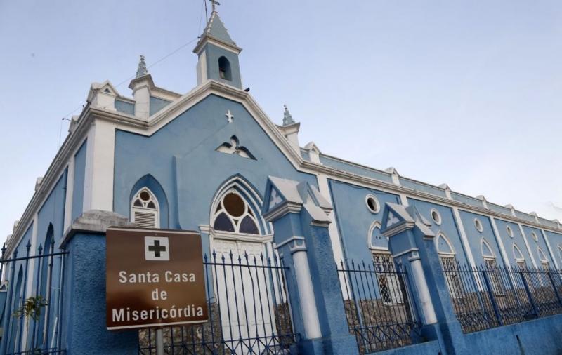 Pacientes da Santa Casa de Cuiabá são realocados para os Hospital de Câncer e HGU