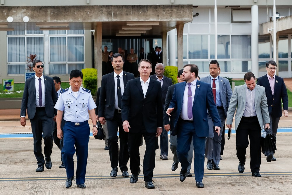 Bolsonaro embarca para os EUA para se reunir com Donald Trump