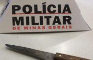 Goleiro da Chapecoense fere ex-namorada com uma faca, rouba celulares e destrói salão em Espinosa