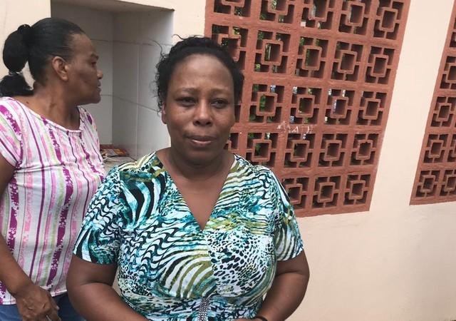 Merendeira diz que ajudou a esconder 50 alunos na cozinha durante ataque; geladeira e freezer serviram de barricada