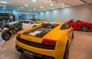Garagem é denunciada por suspeita de vender carros de luxo e fechar as portas sem repassar dinheiro aos donos em Cuiabá