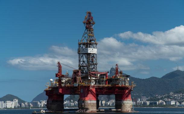 EUA anunciam fim de isenção para quem comprar petróleo iraniano