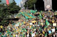 Seis meses de Bolsonaro: tensões, demissões e dependência de um apoio popular