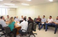 Emanuel discute reestruturação da atenção básica com equipe técnica da Secretaria de Saúde