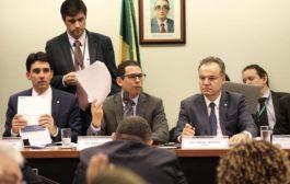 Presidente da comissão diz que Câmara estuda projeto próprio para reforma da Previdência